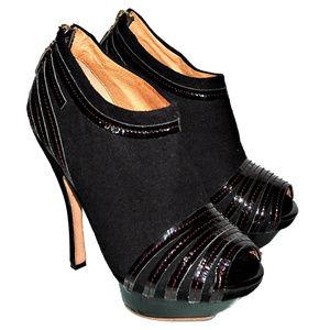 L.A.M.B. Black Platform Peep Toe Booties Sz 7